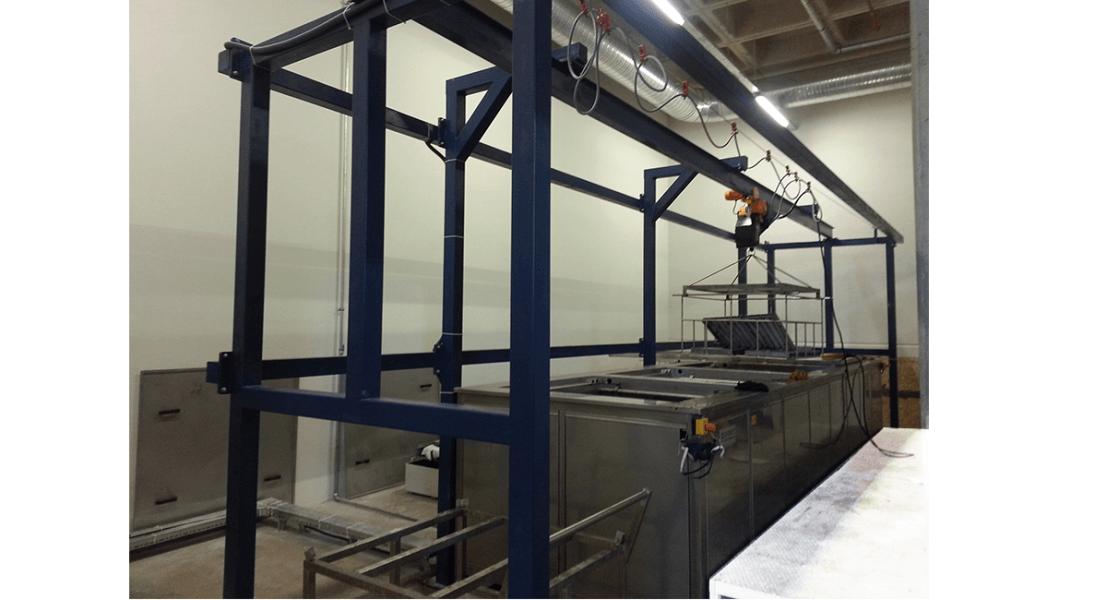 Lavadora industrial para carga de piezas con grua o polipasto 3