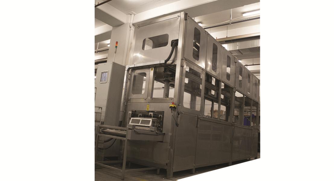 Máquinas de limpieza y lavadoras industriales de piezas multietapa con sistema automático de manipulación 2