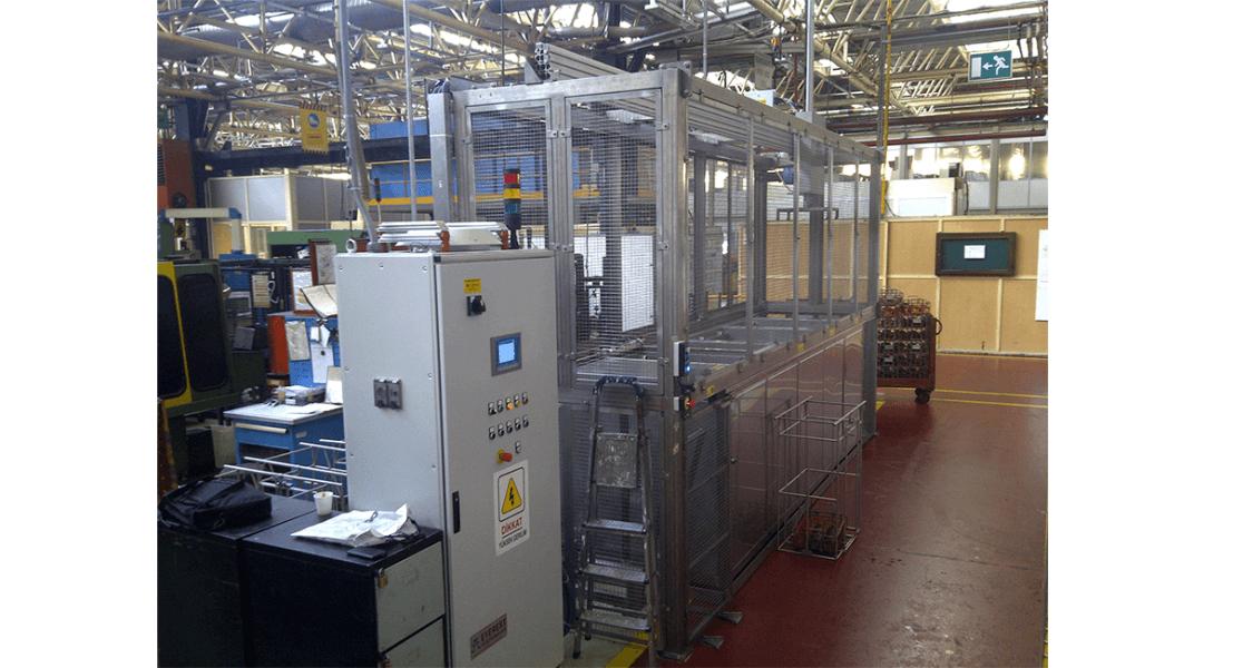 Máquinas de limpieza y lavadoras industriales de piezas multietapa con sistema automático de manipulación 5